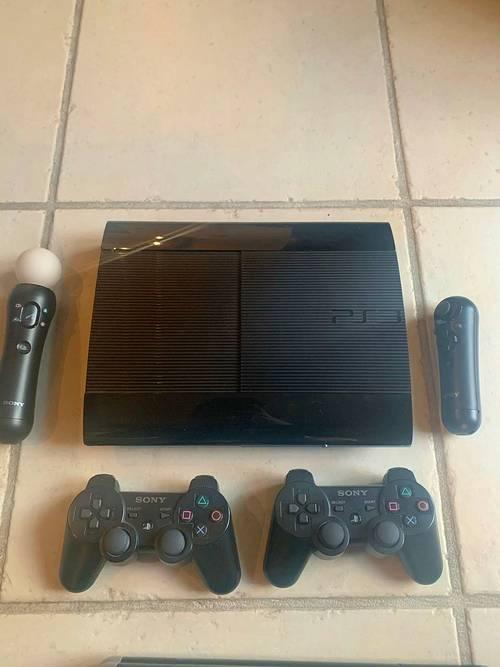 Vends lot PS3+ disque dur + 7jeux + accessoires