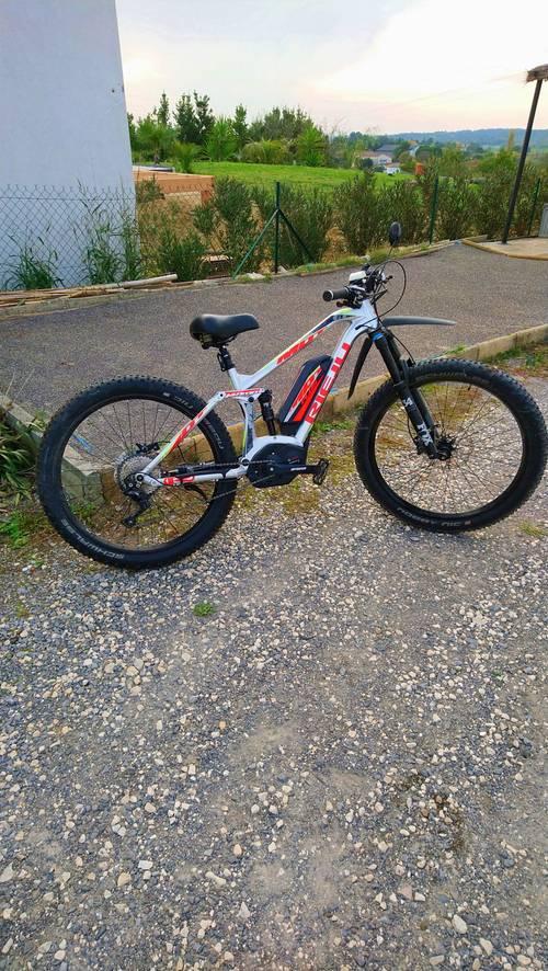 Vends vélo électrique état neuf de marque Rieju MTR pro+