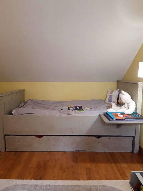 Vends beau lit enfant bois cérusé
