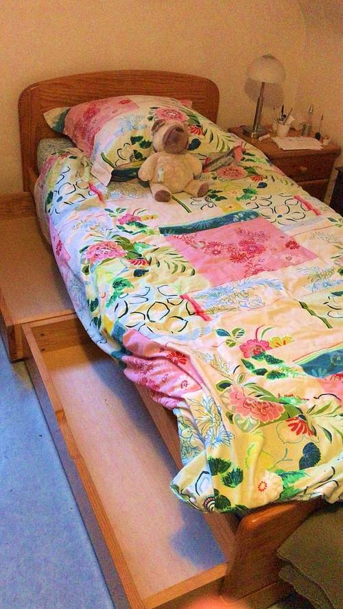 Vends lit d'enfant en pin