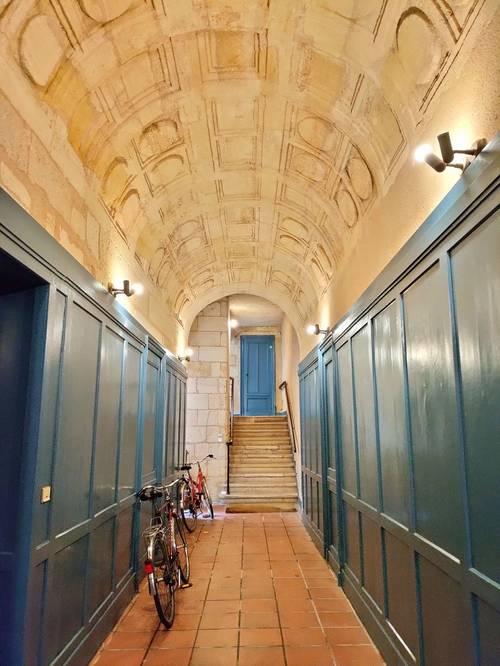 Vends appartement T2-67m²-Bordeaux St Pierre/Place Camille Jullian