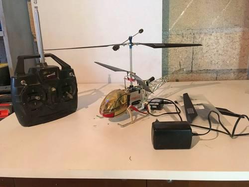 Vends Hélicoptère Modèle HMO53-1