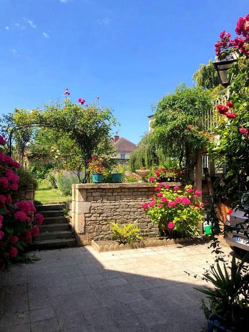 Vends hôtel particulier 17è à Caen 320m² / 6chambres/ centre, jardin