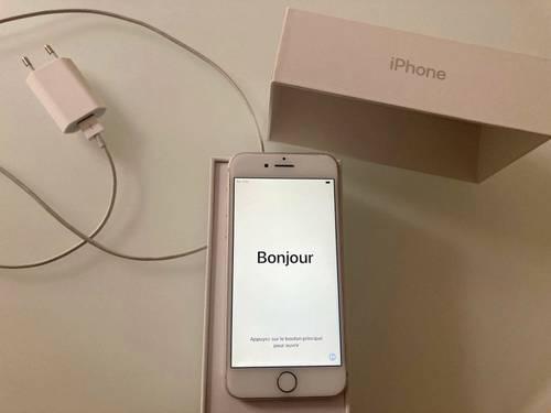 Vends IPhone 732go