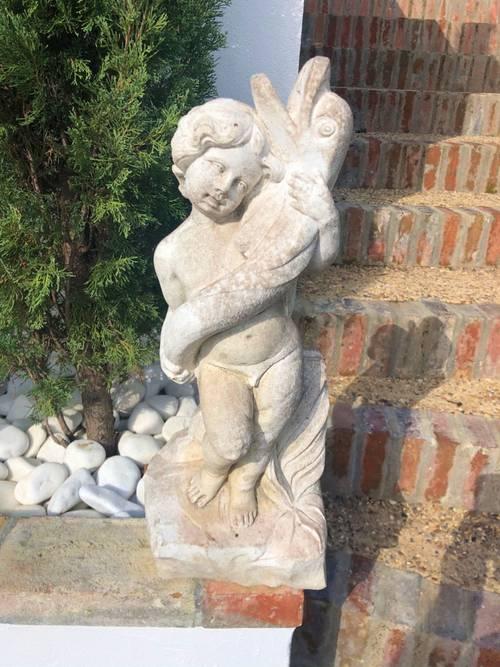 Vends jolie statue ancienne de jardin plâtre