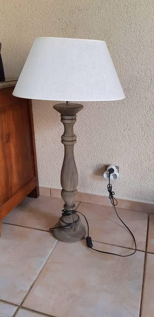 Vends lampe sur pied