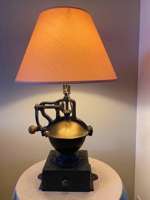 Vends lampe originale Ancien Moulin a Café