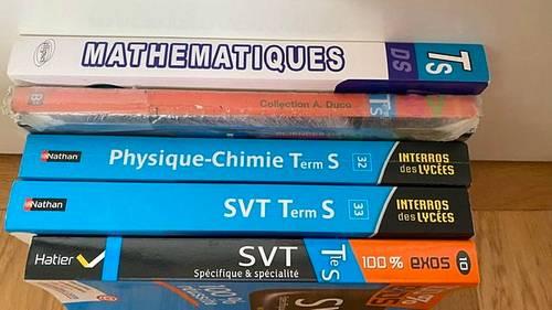 Vends livres scolaires Term S