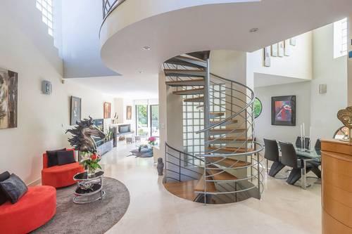 Vends maison d'architecte de 196m² avec 4chambres - Clamart (92)
