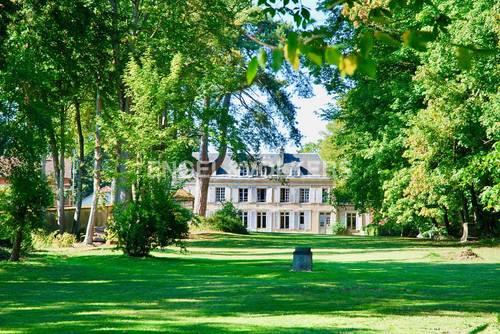 Vends Maison de maître - 8chambres, 547m² avec dépendance et parc de 2,7ha Chartres (28)