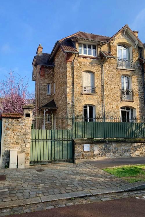 Vends maison en meulière de 220m² à Versailles - 6chambres