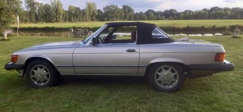 Vends Mercedes Cabriolet decapotable 560sl 1986collection