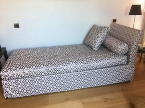 Vends sofa méridienne convertible en lit