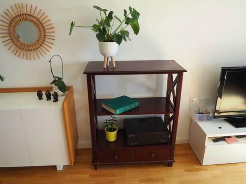 Vends meuble avec étagères en bois marron - Bon état