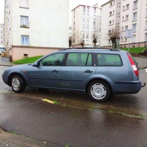 Vends Ford Mondéo break 199000kms - 2001