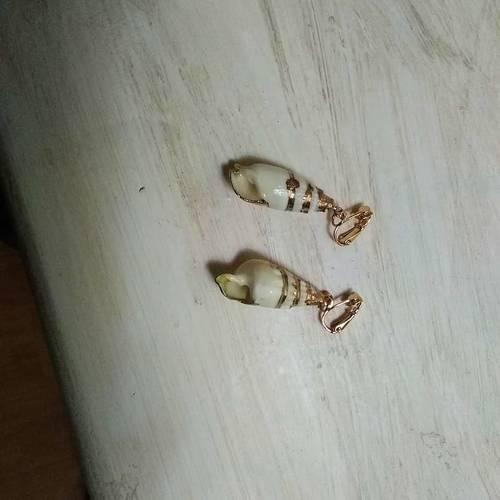 Vends paire de boucles d'oreilles