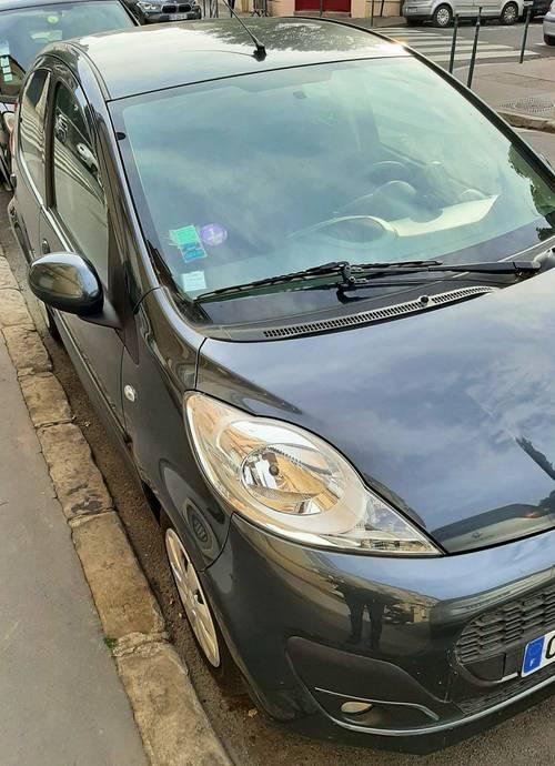 Vendons Peugeot 1075p ess. 2012- 28000km
