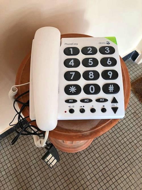 Vends Doro Phone Easy 311c, téléphone filaire analogique basique