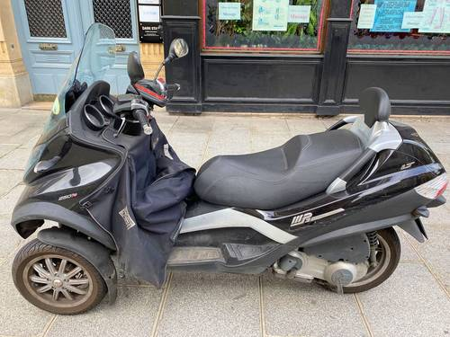 Vends Piaggio MP3250cc 20600km - permis B - 2009