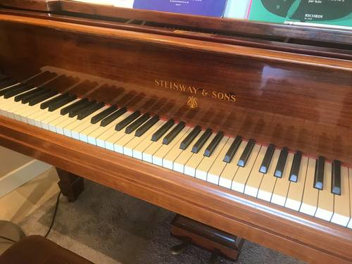 Vends piano 1/2queue Steinway