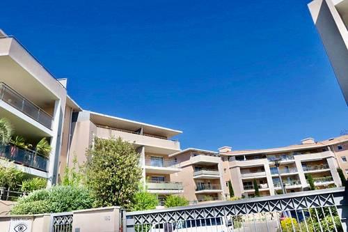 Vends T4Aix en Provence avec terrasse 14m²