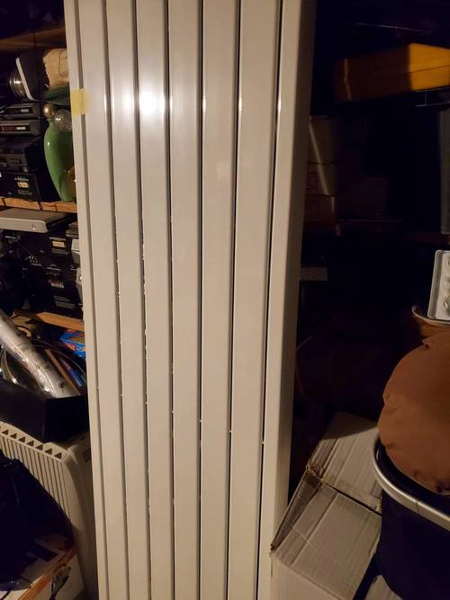 Vends radiateur DELONGHI à Inertie fluide 1500W