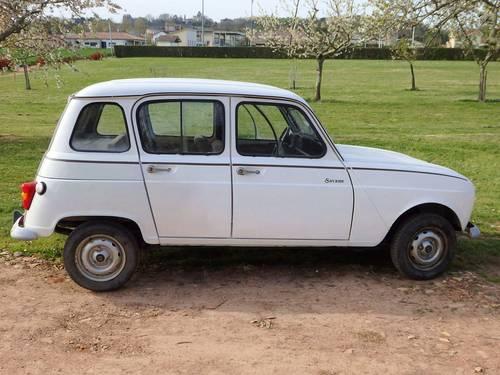 Vends Renault 4Savane restaurée 1986