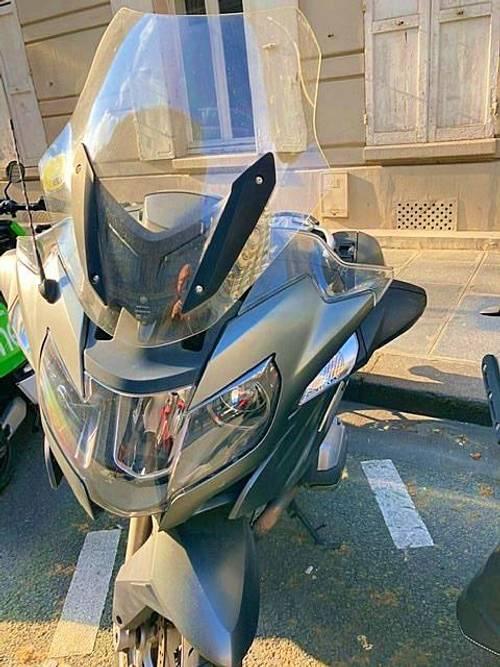 Vends moto BMW RT1200. Année 2015. Kilometrage: 25000