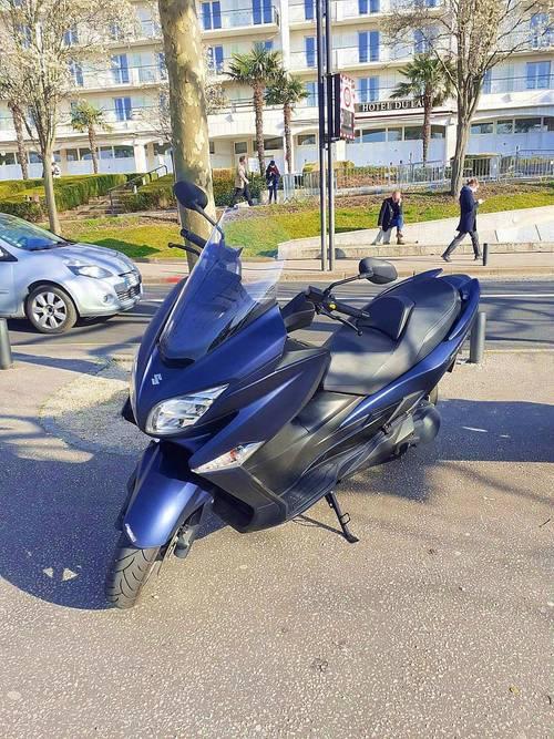 Vends Scooter Burgman 400cm3 (A2) de Juillet 2020- 12000km