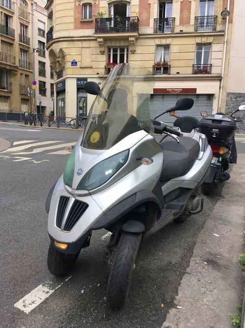 Vends scooter Piaggio Mp3lt 250- 2008- 33000km