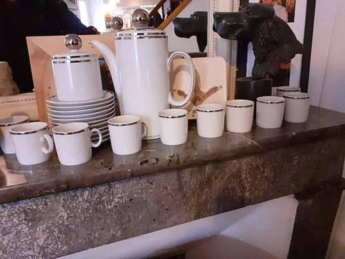 Vends service à café de style art déco réalisé dans les années 50