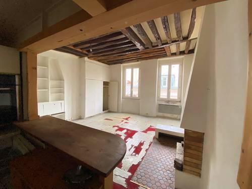 Vends Grand Studio A rénover -32,5m² - Ile Saint Louis - Paris (75004)
