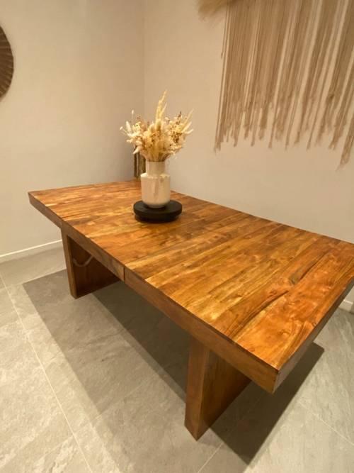 Vends table en acacias