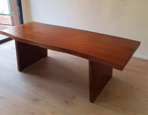 Vends table bois massif acajou design 230cm TB état