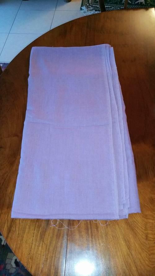Vends tissu en lin lavé couleur parme 3m x 1,5m neuf