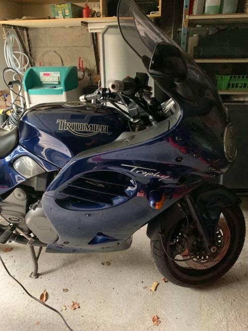 Vends Moto Triumph Trophy 900- 1997- 52200km