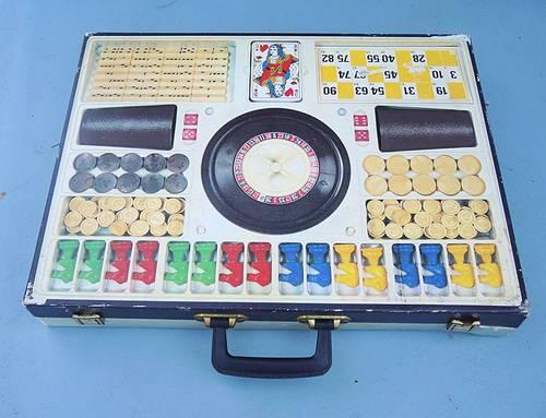 Vends Valise de Jeux Vintage FERRIOT