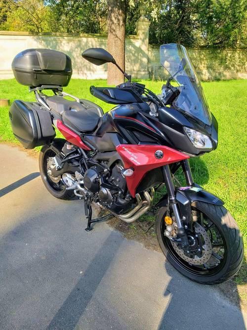 Vends moto Yamaha 900Tracer - 5800km 01/2020