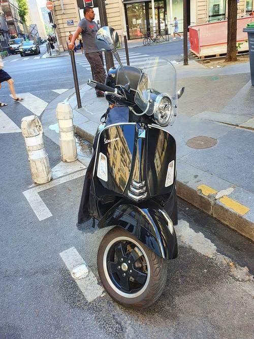 Vends scooter Vespa 300Super HPE, 14100km, 2019