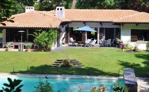 Loue villa à arcachon piscine chauffée 12couchages