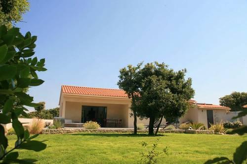 Loue villa Bonifacio climatisée (20) avec piscine privée 6couchages