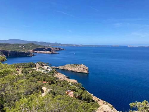 Loue villa dans la nature, piscine, accès privatif à la crique et à la plage, Ibiza