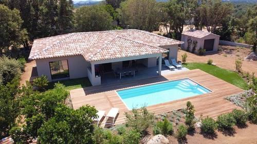 Loue villa Corse du Sud, Zonza (20) avec piscine, 8couchages, proche mer