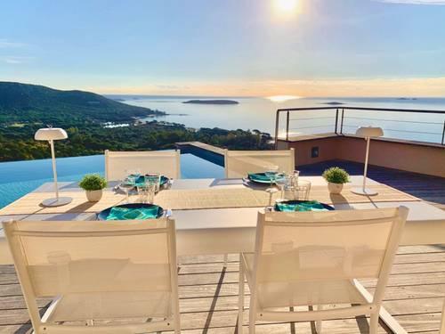 Loue Villa haut-de-gamme 6Chambres, vue panoramique plage Palombaggia