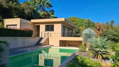 Loue Villa à Gigaro (83) proche plage 8couchages