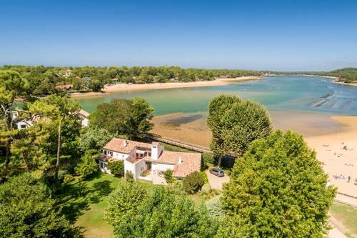 Loue en centre ville, villa d'exception + dépendance avec parc de 4000m² et vue lac - 15couchages - Soorts-Hossegor (40)