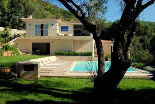 Loue villa 10couchages, 5chambres à Pinarello Corse avec piscine, proche plage
