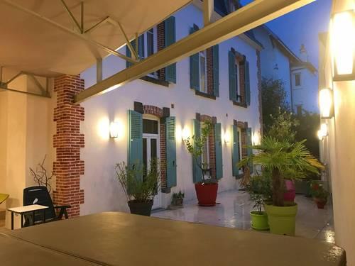 Loue Villa beaucoup de charmes - 9chambres, 240m² - Châtel Guyon (63)