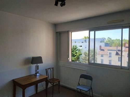 Loue studio meublé idéal étudiant - 25m² - Villeurbanne (69)