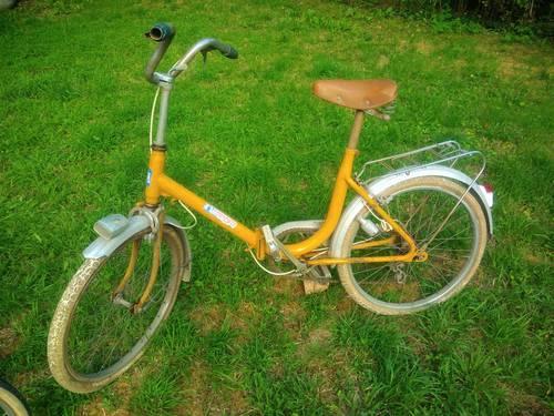 Vélo vintage pliable à rénover